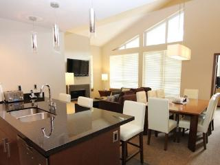 Revelstoke Sutton Place 3 Bedroom Ski In/Ski Out Premium Condo