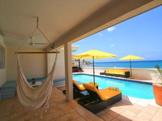 6 Bedrooms 6 Bathrooms Beachfront Villa-Sunsetview