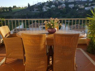 Modern 3 Bedroom Apartment In Los Arqueros R127, Benahavis