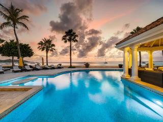 Petite Plage 5 at Grand Case Village, Saint Maarten - Beachfront, Pool, Amazing Sunset View
