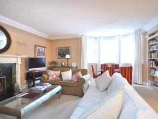 Fabulous family home in the heart of Kensington, Londres