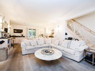 Prestigious town house to sleep 10, with large private garden- Earls Court, Kensington, Londres