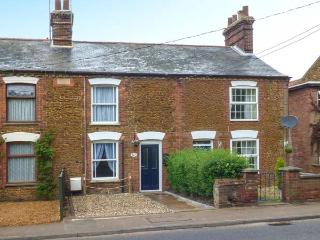DUCK COTTAGE, terraced cottage, garden, close to village centre, in Snettisham