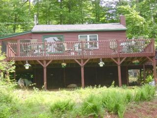 Romantic Getaway Very Private, Gilmanton
