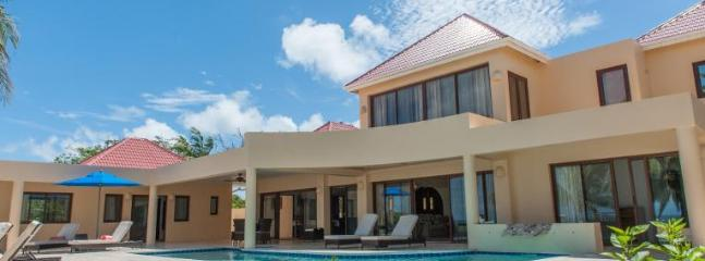 Zebra - Ideal for Couples and Families, Beautiful Pool and Beach, Anguilla