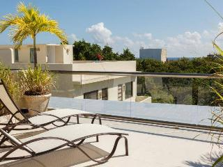 3BR Playa del Carmen Condo w/ Access to Pool!