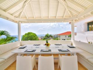 4 Bedrooms 4 Bathrooms Hillside Villa-Great Views, Cole Bay