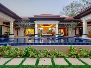Modern Luxury 4Bed Phuket PoolVilla, Thalang District
