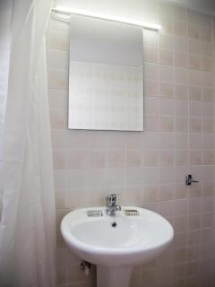 Fully refurbished bathroom