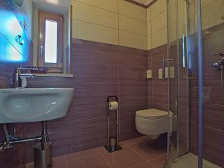 House 9550, Marcana