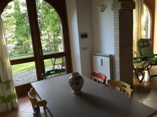 UMBRIA COUNTRY HOUSE, L'AIA DI ARMIDA. 2/12 PAX