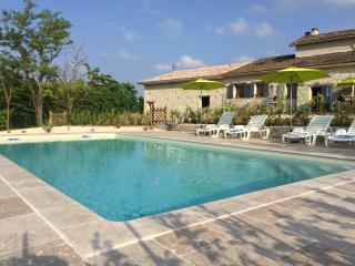 1 bedroom cottage with heated pool - near Eymet, Roumagne