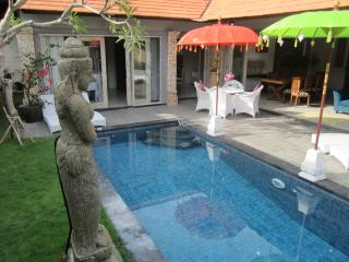 AWESOME Bamboo Moon Villas - Villa 2, Sanur