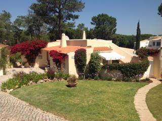 Luxuary villa in Quinta Do Lago. Wifi, U.K. Tv., Quinta do Lago