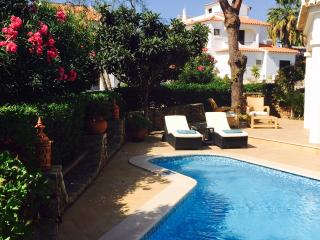 4 bedroom and 4 bathroom detached villa with private pool