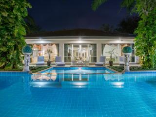 Stylish Phuket Pool Villa