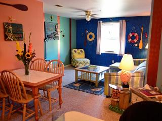 Captain`s Loft - Unit A, South Haven