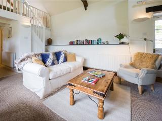 Well is a mezzanine detached cottage for 2 persons, St Hilary