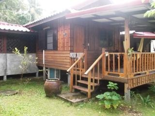 NM Bungalows Kitchen Comfy Big Beds A/C Hot Water, Ko Phangan