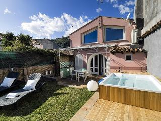 Casa Luce del Sole vacation holiday villa rental italy, sicily, acireale, seasid
