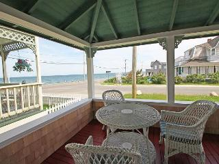 Four bedroom steps from Ink Well Beach!