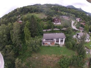 Ruhiges Ferienhaus mit Panorama bei Crans-Montana
