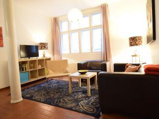 cozy Apartment im Hof mit Terrasse