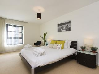 City Reach 2 Bed Apts Trendy & Contemporary-I