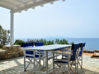 Villa by the sea in Tinos (2bdr) - Stavros Bay, Tinos Town