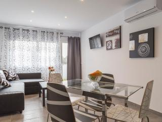 Modern apartment 5 MIN FROM THE BEACH, Port d'Alcudia