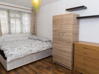 Trendy 4 Double Bedroom Flat, Shoreditch Bricklane, London