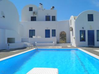 Santorini Traditional Suites ATLANTIS Suite