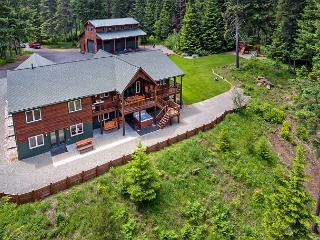 Incredible Aspen Lodge!   5 Acres | 8BR | 4.5 BA | Sleeps 24 ! FREE Nights!, Cle Elum