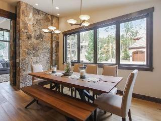 New Peak 8 Luxury Home with Impressive Amenities Including Sauna and Hot Tub!, Breckenridge