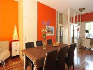 503 Family House with Garden and Free Parking, Ámsterdam
