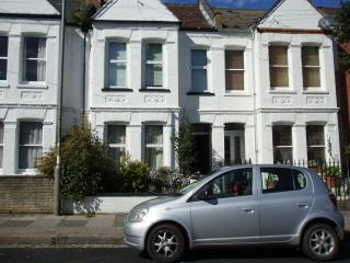 upstairs flat in Putney