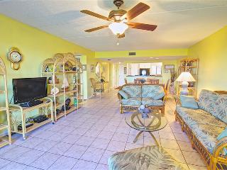 Sea Haven Resort - 118, Ocean Front, 3BR/2BTH, Pool, Beach, Saint Augustine