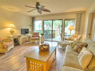 Hibiscus Resort - H204, Garden View, 2BR/2BTH, 3 Pools, Wifi, Saint Augustine