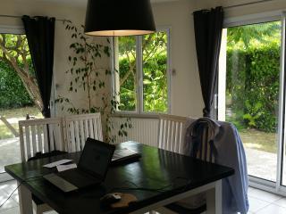Maison Grez Neuville 49220  (village Fleuri)