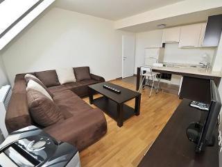 Apartment 18      Schonbrunnerstr.89