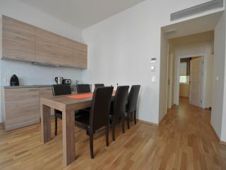Apartment 4, Viena