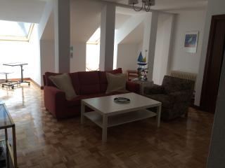 Casa en el Centro de la Ciudad con Garage, Avila