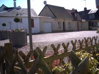 place du soleil levant Parking gratuit juste devant la maison