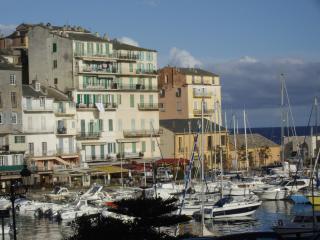 Charmant appartement labellisé près du vieux port, Bastia