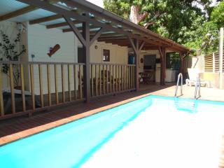 Bungalow traditionnel avec piscine