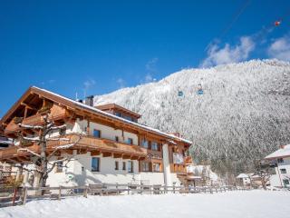 Chalet Royal - 8 Schlafzimmer mit Wellnessbereich, Mayrhofen