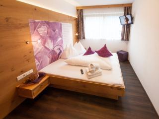 Crystal:75m² Apartment mit Design-Ofen, Mayrhofen