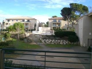 T2 clim rés  standing avec piscine loc Festival, Villeneuve-les-Avignon