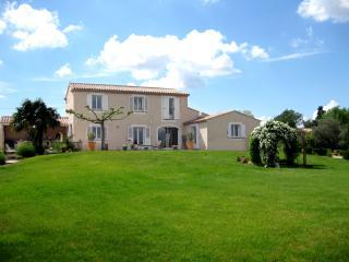 Villa Provençale de standing de 230m² avec piscine, Aix-en-Provence