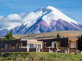 Spectacular hacienda&horse riding Cotopaxi volcano, Machachi